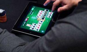 poker judi menguntungkan